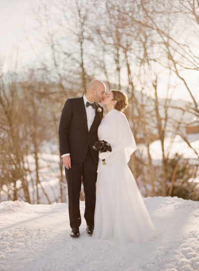 asheville-wedding-couple-snow