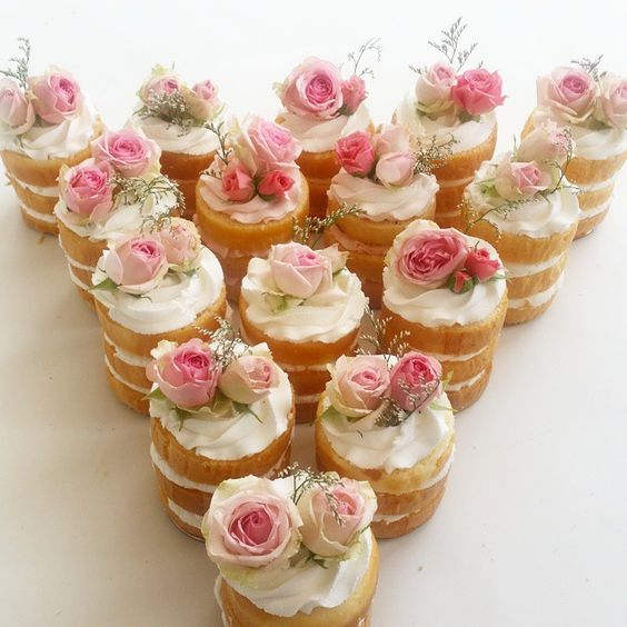 Mini Cakes naked