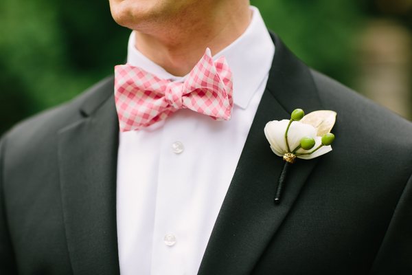 pink-gingham-bow-tie